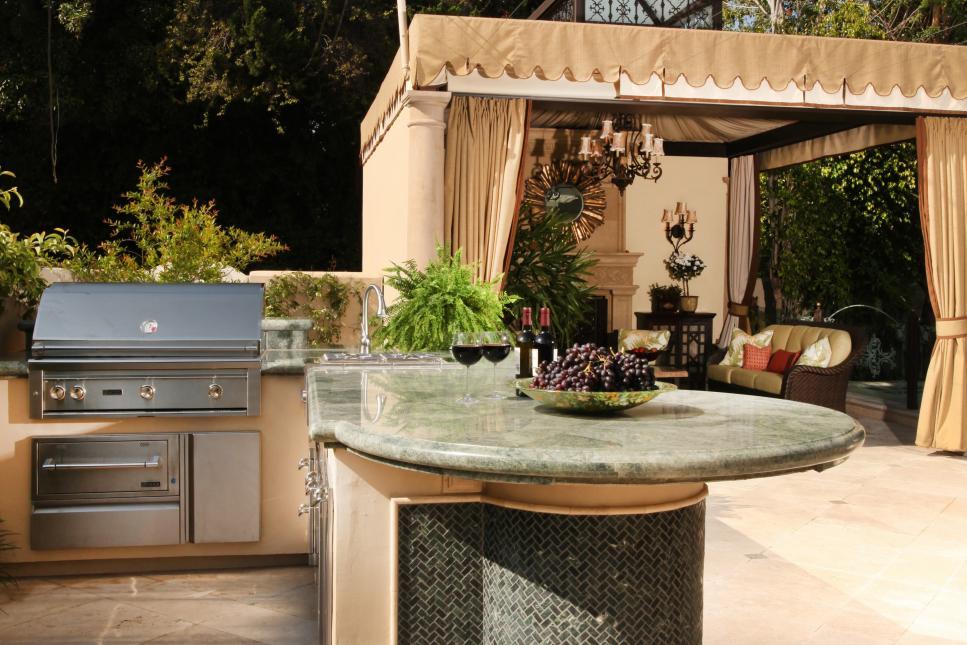 astonishing outdoor kitchen ideas | 33 Amazing Outdoor Kitchens | DIY