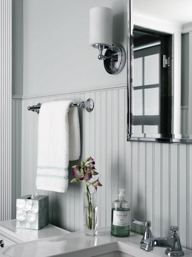 Beau Stylish Beadboard Bathroom