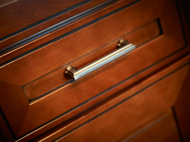 Cost of Replacing Cabinet Doors and Drawer Fronts