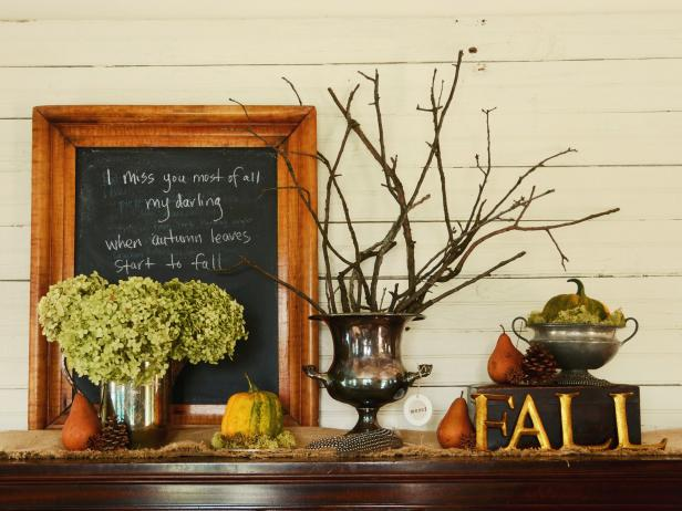 Entry Table With Fall Decor
