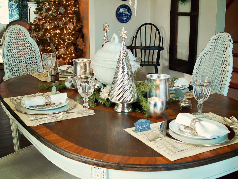 classic silver and white christmas table decor