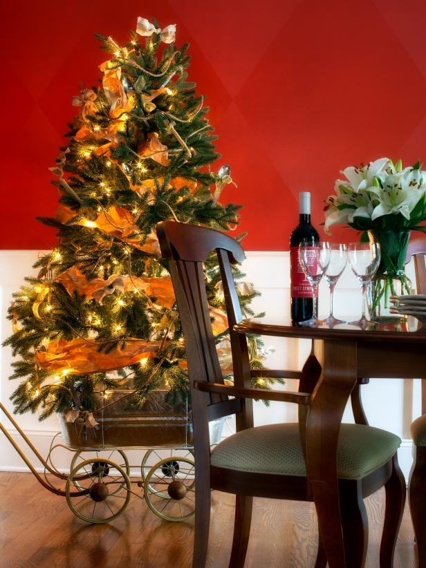 Red Dining Room With Christmas Tree