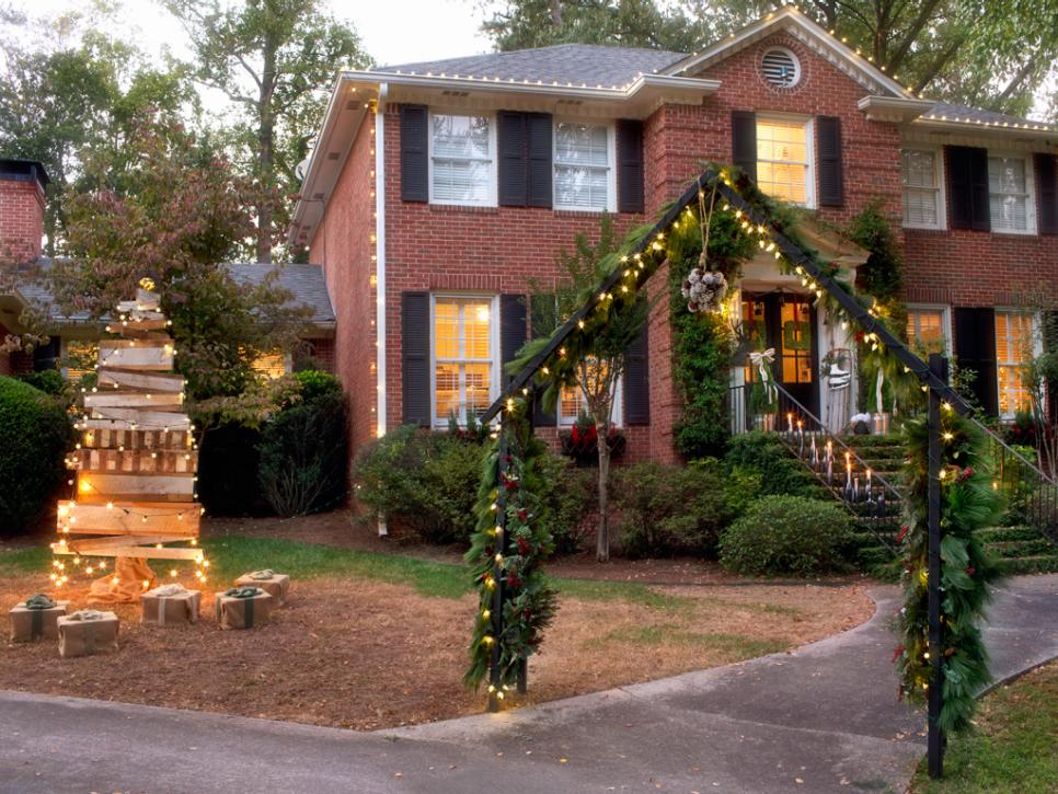 19 outdoor christmas decorating ideas hgtv - Outside Christmas Tree Decorations