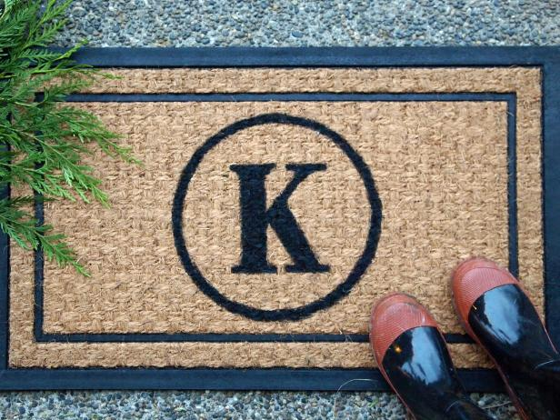 DIY Monogramed Doormat
