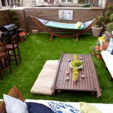 Merveilleux Enclosed Patio With Astroturf U0026 Outdoor Bar