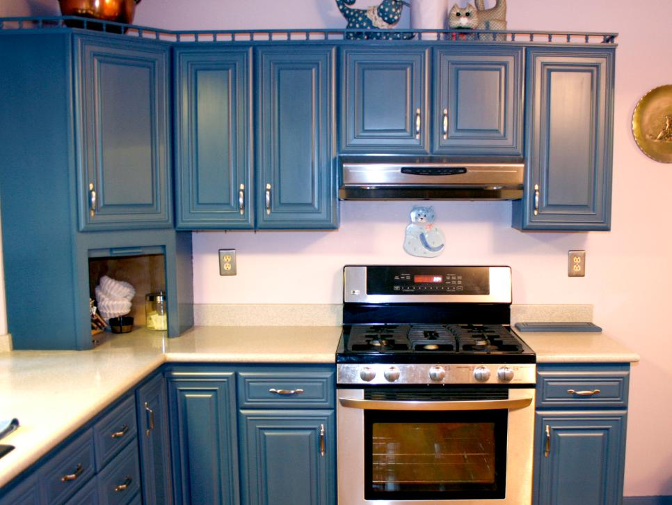 spray painting kitchen cabinets Spray Painting Kitchen Cabinets: Pictures & Ideas From HGTV | HGTV spray painting kitchen cabinets