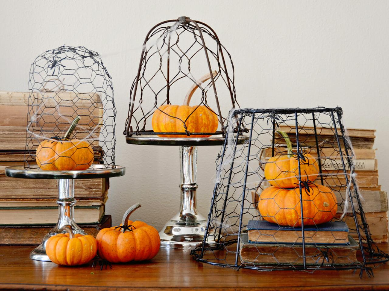 Diy halloween tombstone decorations hgtv solutioingenieria Images