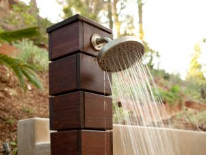 At-Home-Outside_Modern-Rustic-Backyard-Wooden-Shower_s4x3