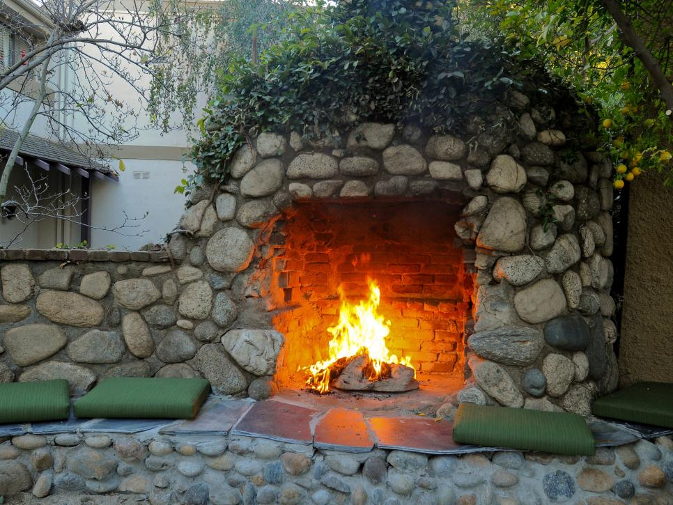 5 Fire Pit Ideas To Steal For Cozy Fall Nights Hgtv S Decorating Amp Design Blog Hgtv