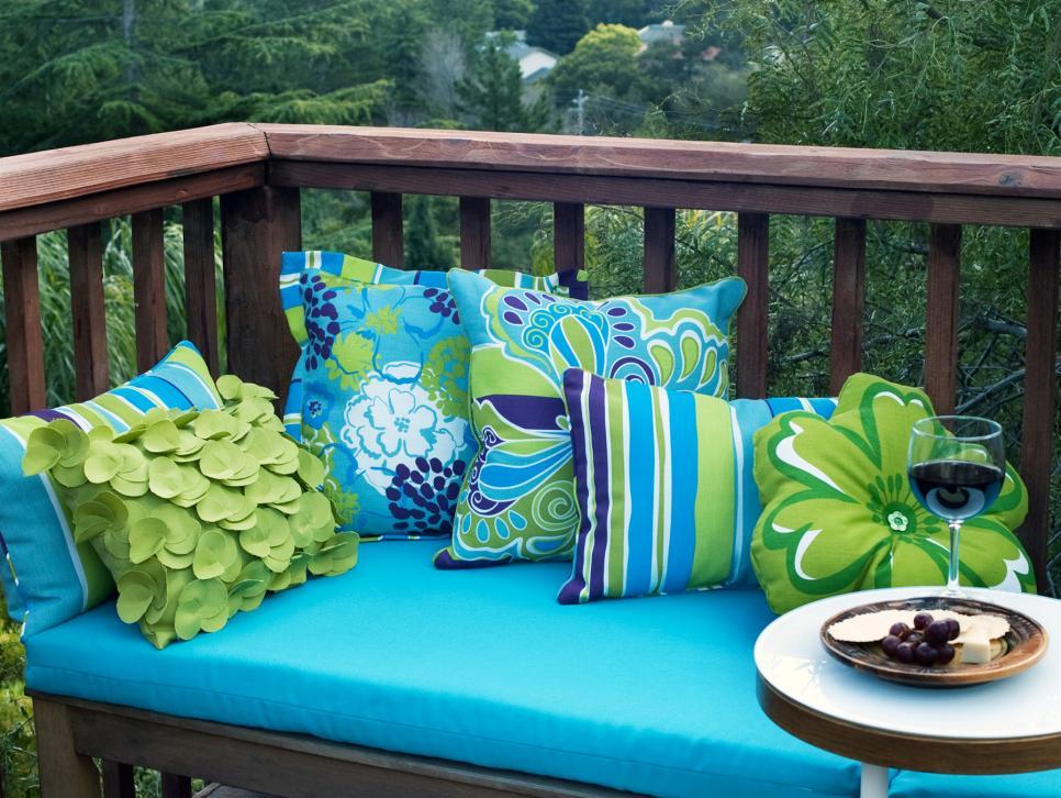 Outdoor Living Spaces Gallery - Best Outdoor Living Spaces ... on Living Spaces Outdoor Daybed id=36962