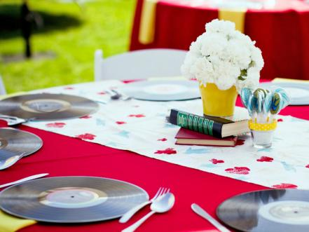 A Retro Spin on Place Settings