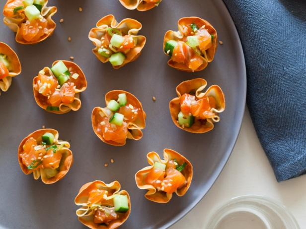 Easy appetizer ideas and recipes for parties holidays hgtv for Appetizer recipes easy party appetizers