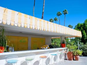 CI-Oyster-The-Parker-Palm-Springs_hotel-mid-century-outdoor-bar_s4x3