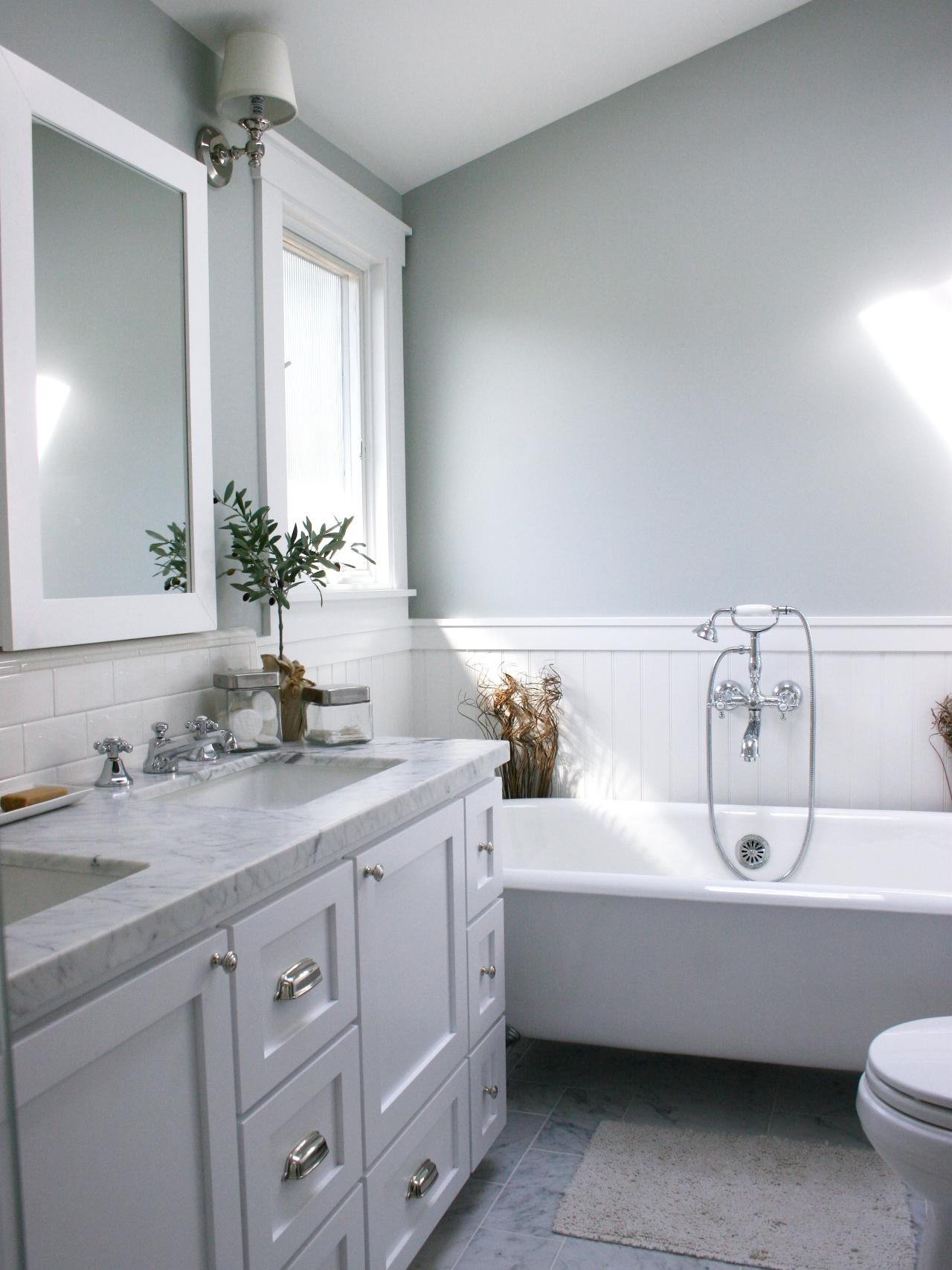 Best Accent Color For Gray And White Bathroom