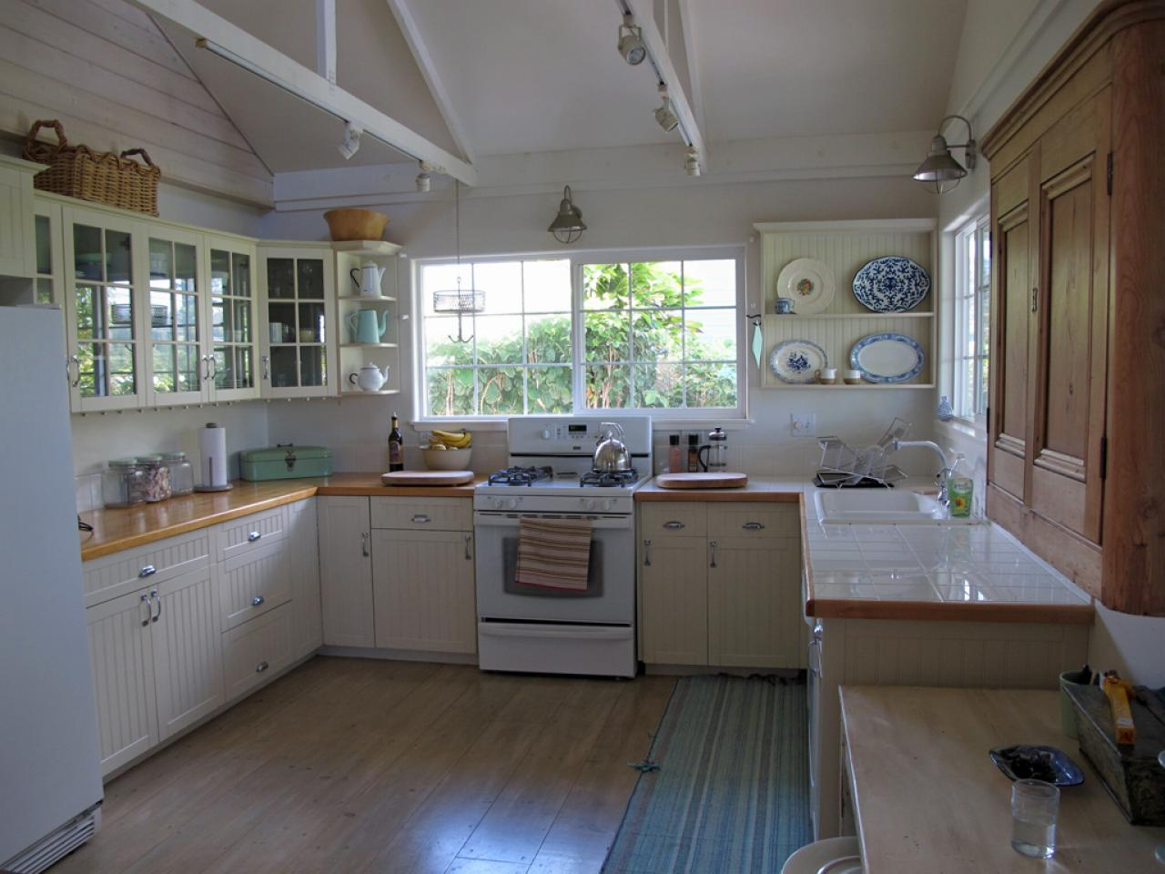 Vintage Kitchen Decorating Pictures Amp Ideas From Hgtv Hgtv