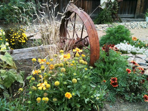 Country Garden And Wagon Wheel