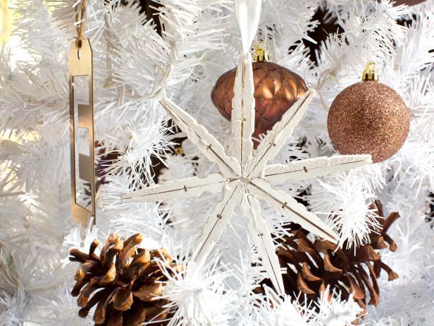 original Brian-Patrick-Flynn-clothespin-snowflake-ornament -beauty s4x3.jpg.rend.hgtvcom.616.462.jpeg 6d406f9025f65
