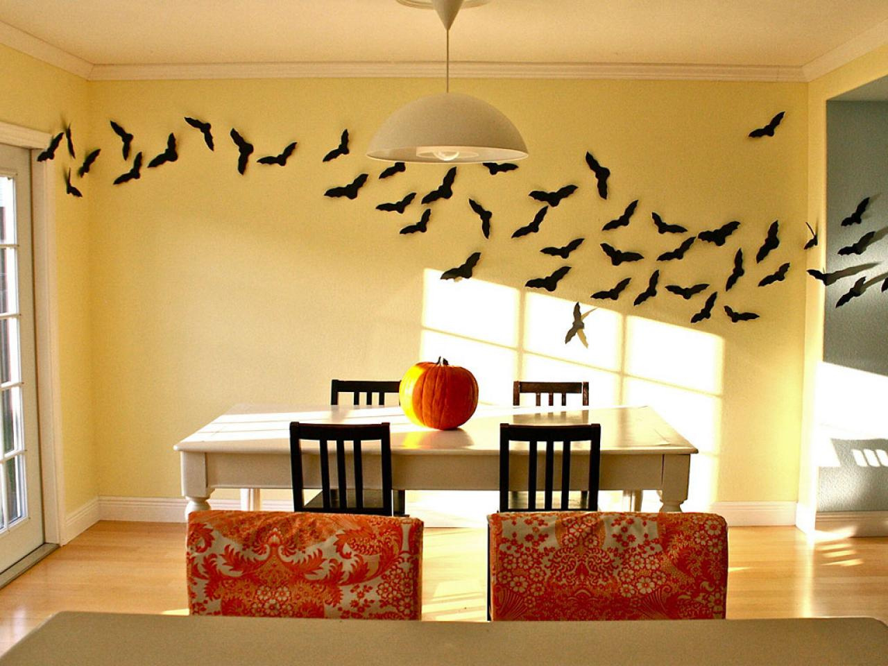 flying bats hgtv. Black Bedroom Furniture Sets. Home Design Ideas