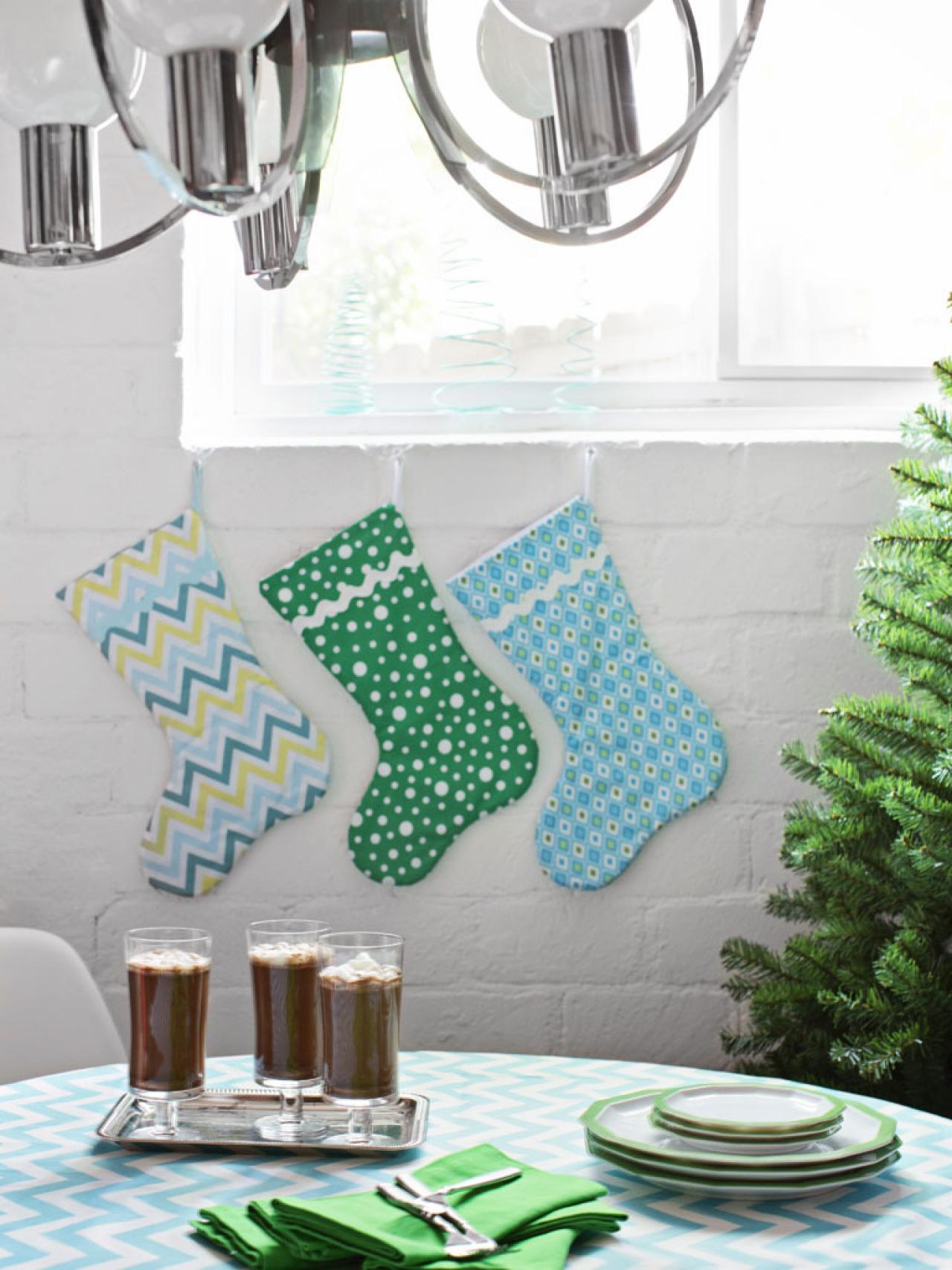 Christmas Colors Palette.Green Blue And White Christmas Color Palette Hgtv