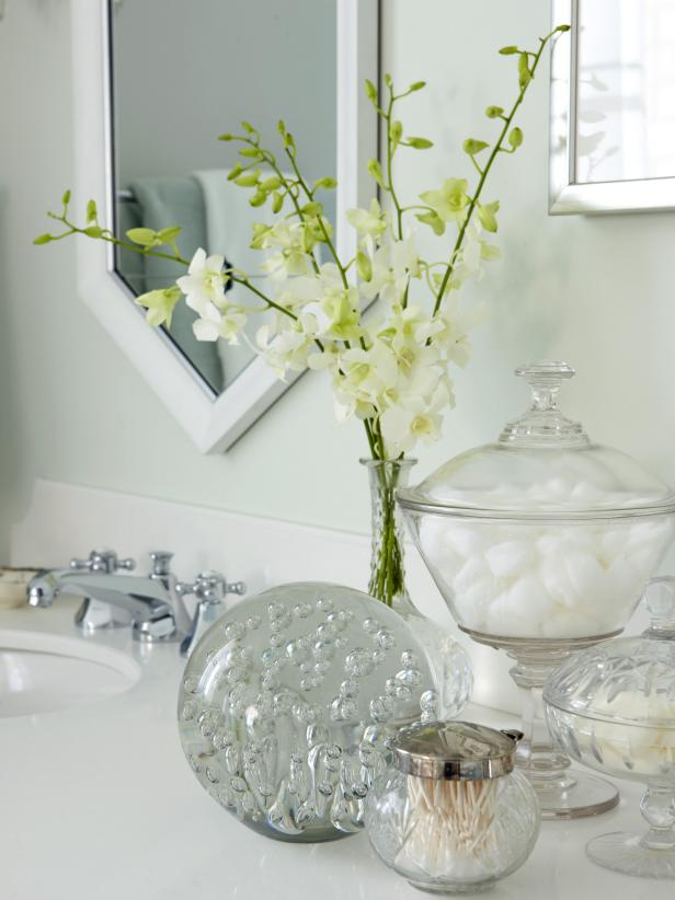 Bathroom Supplies in Decorative Glass Jars
