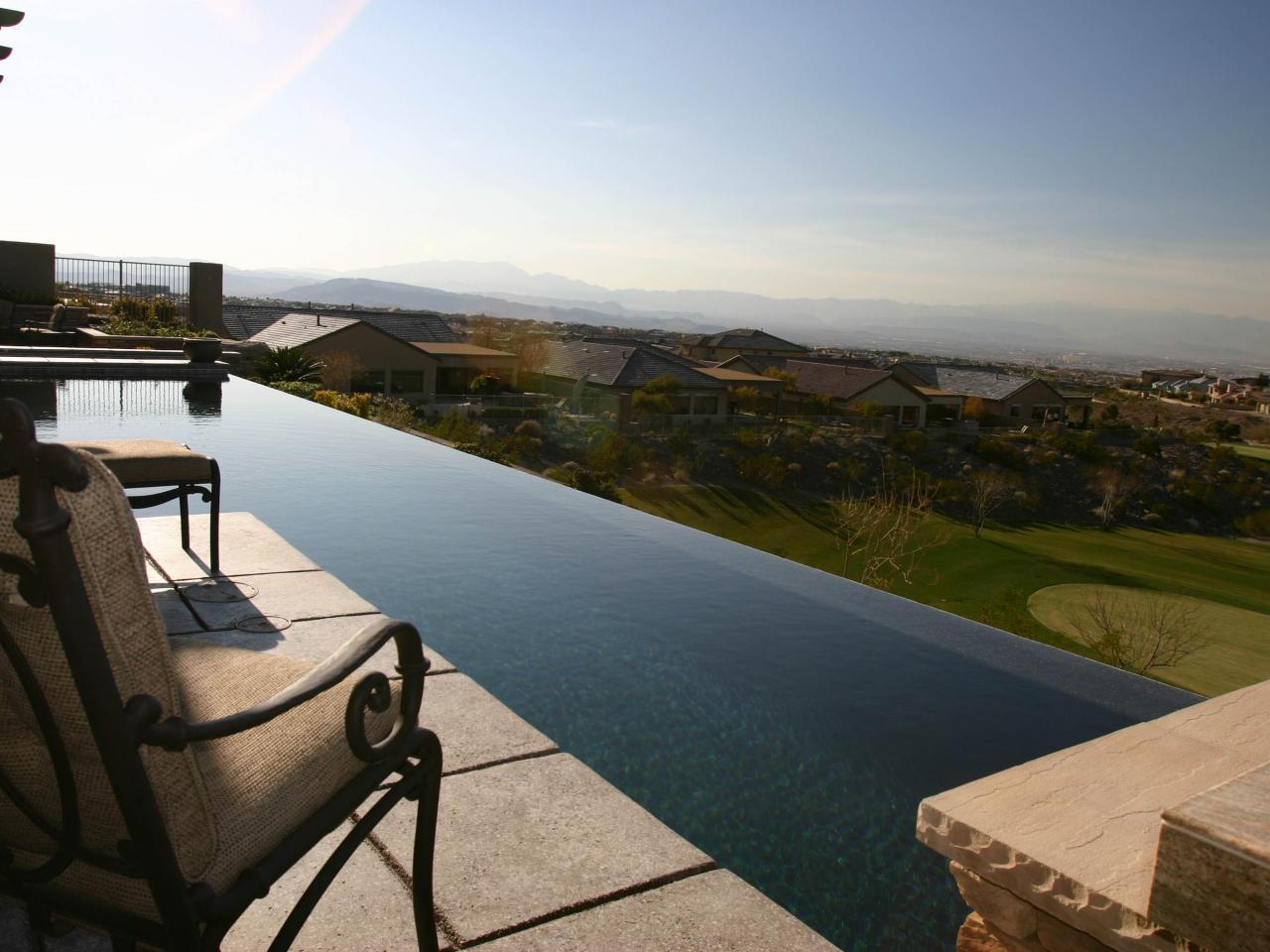 Photo page hgtv for Pool design hillside