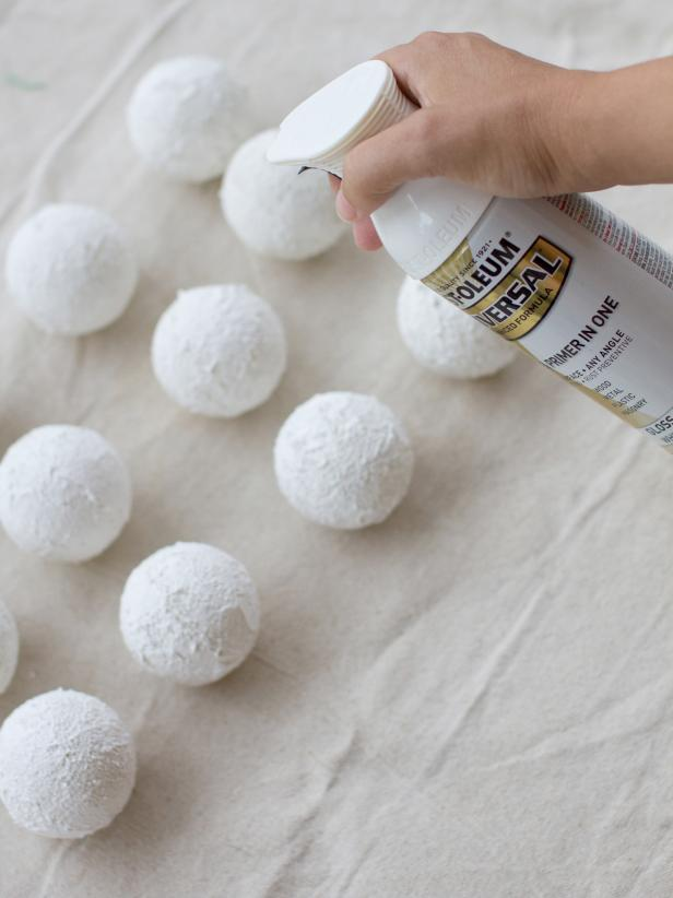 Spray Paint Styrofoam Balls White and Glitter