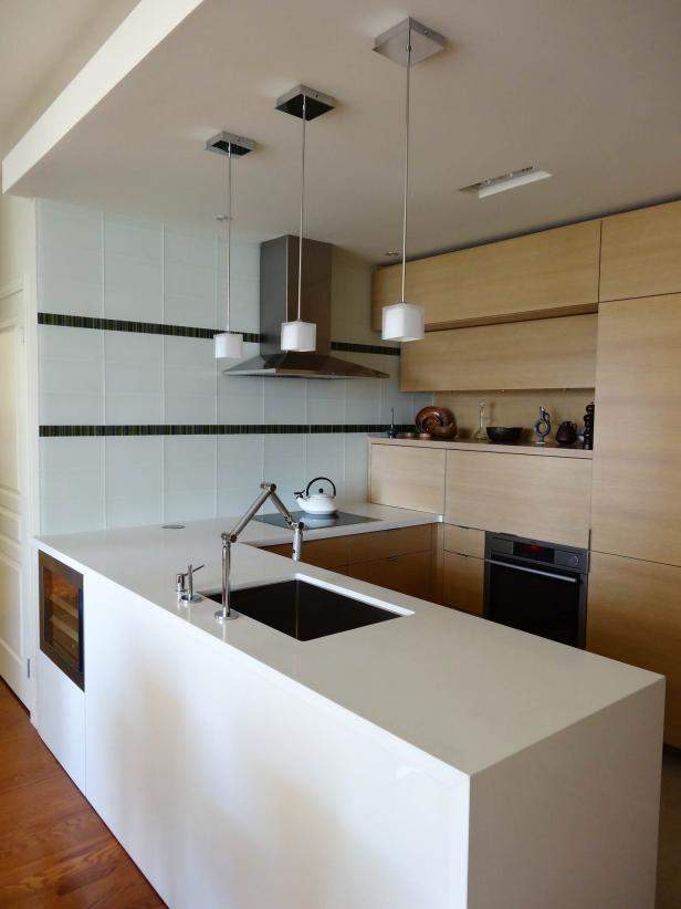 Modern Kitchen With Glass Tile Backsplash