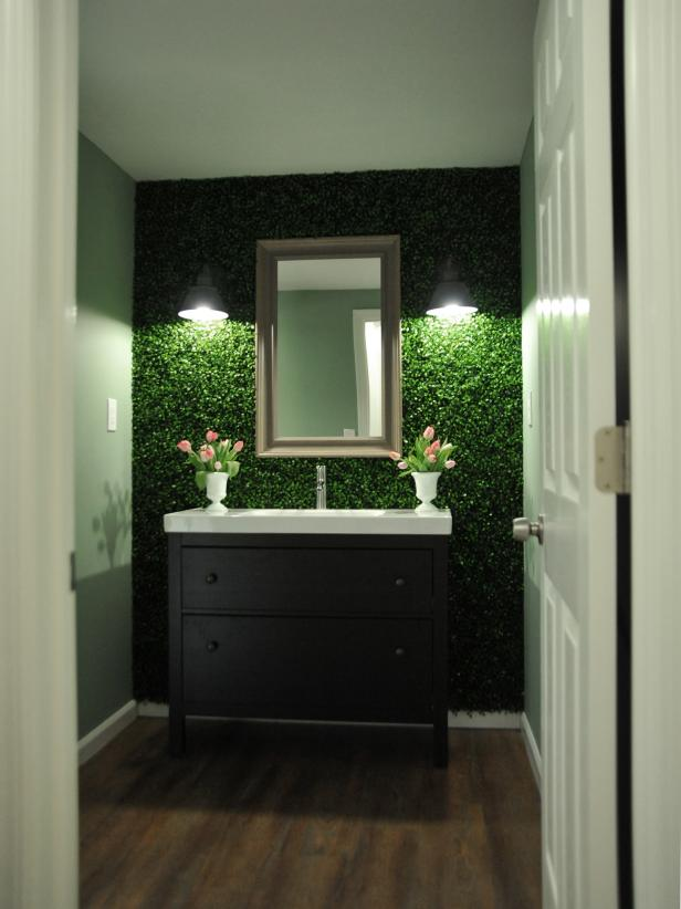 Eclectic Green Bathroom With Plant Wall Hgtv