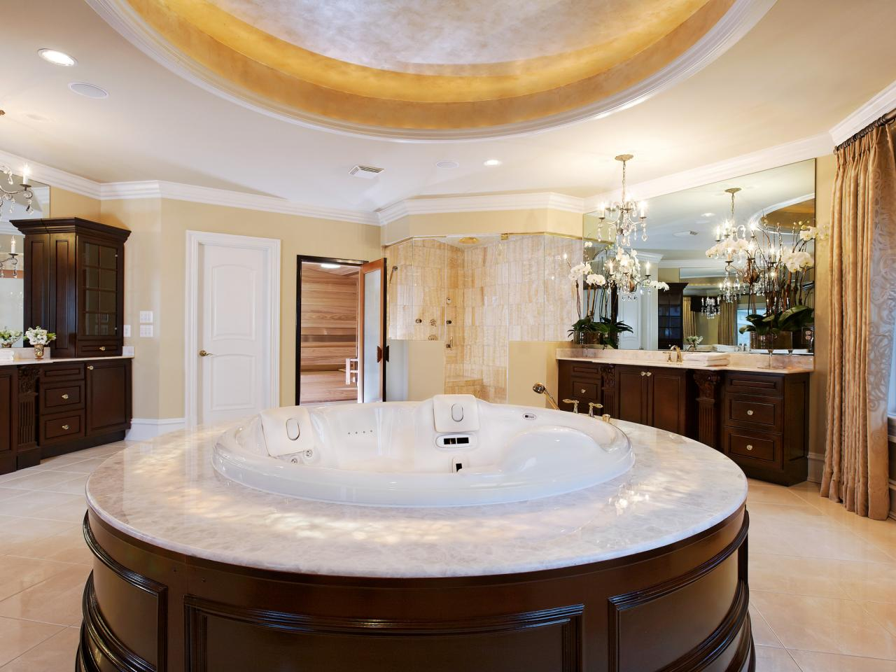 Whirlpool tub designs and options hgtv pictures tips hgtv for Jet tub bathroom designs