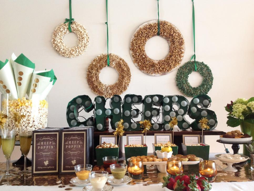 25 indoor christmas decorating ideas hgtv - Cool Christmas Decoration Ideas