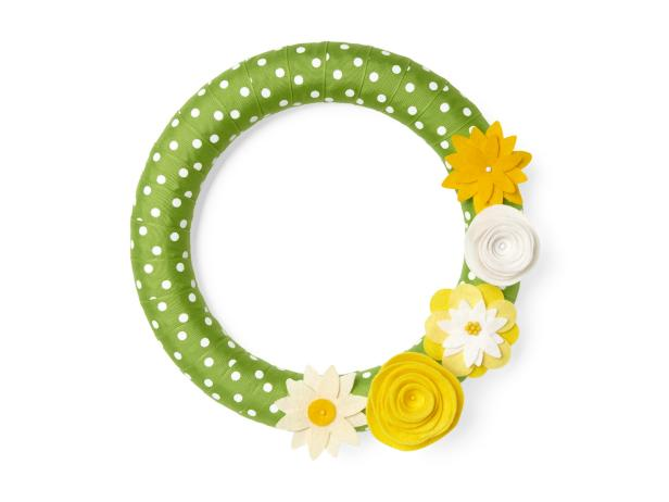 Green DIY Wreath With Felt Flowers