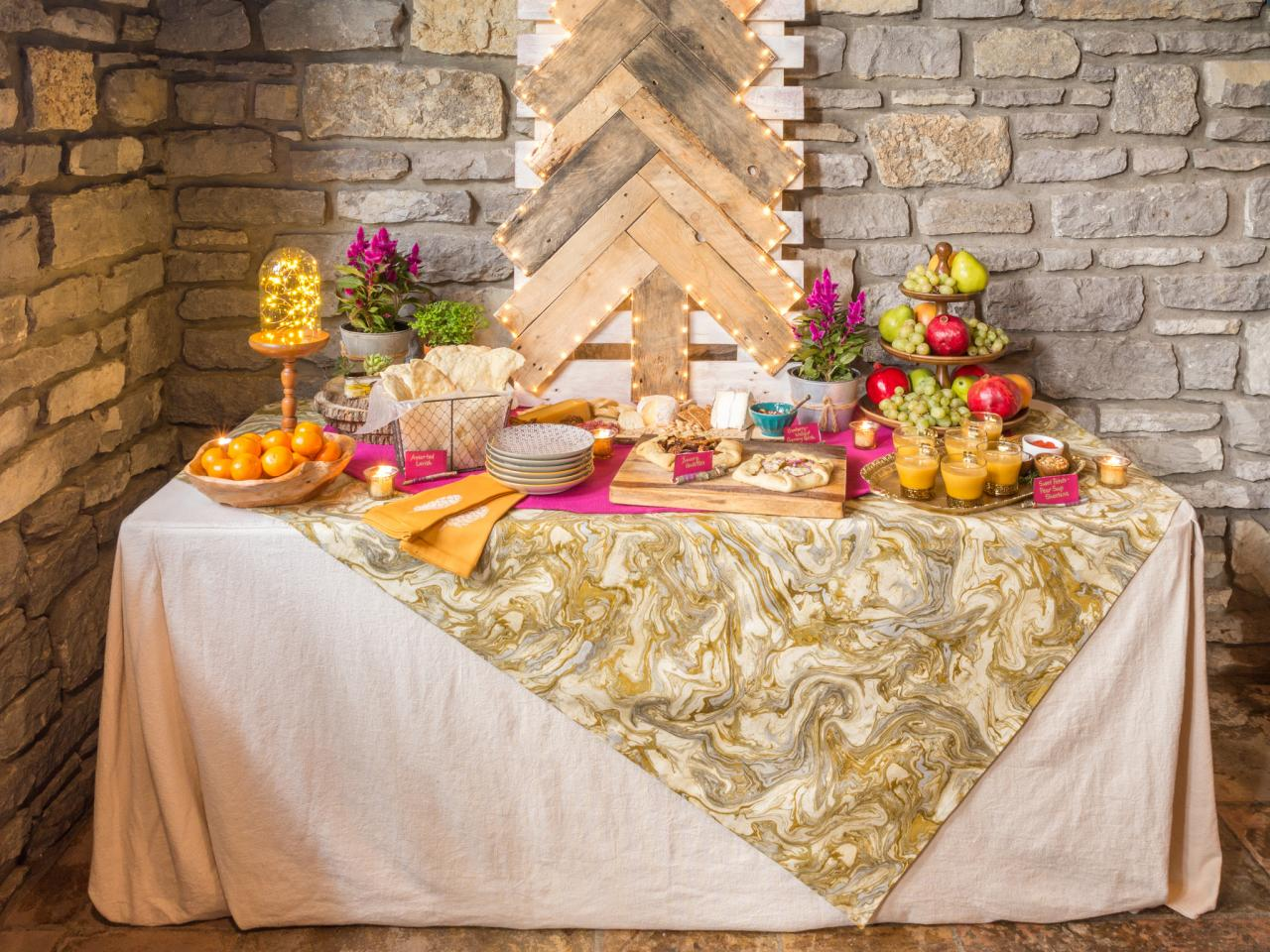 How to set up a gorgeous buffet table for your holiday Christmas table dressing