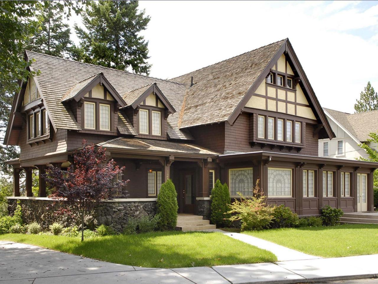Tudor revival architecture hgtv for Tudor style house for sale