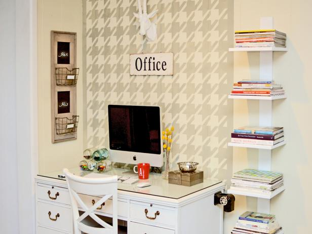 Captivating Stylish Home Office With Open Shelving