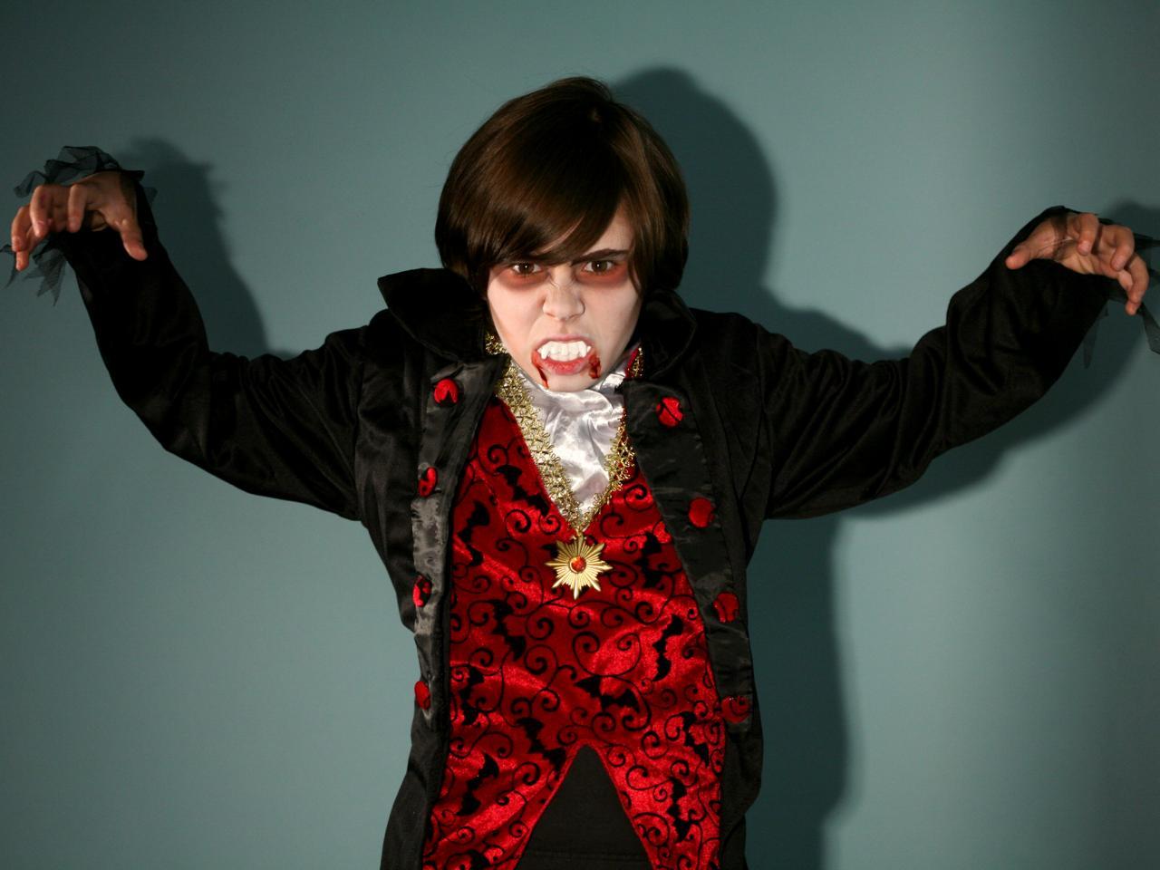 Vampire halloween makeup for kids tutorial hgtv vampire halloween costume baditri Image collections