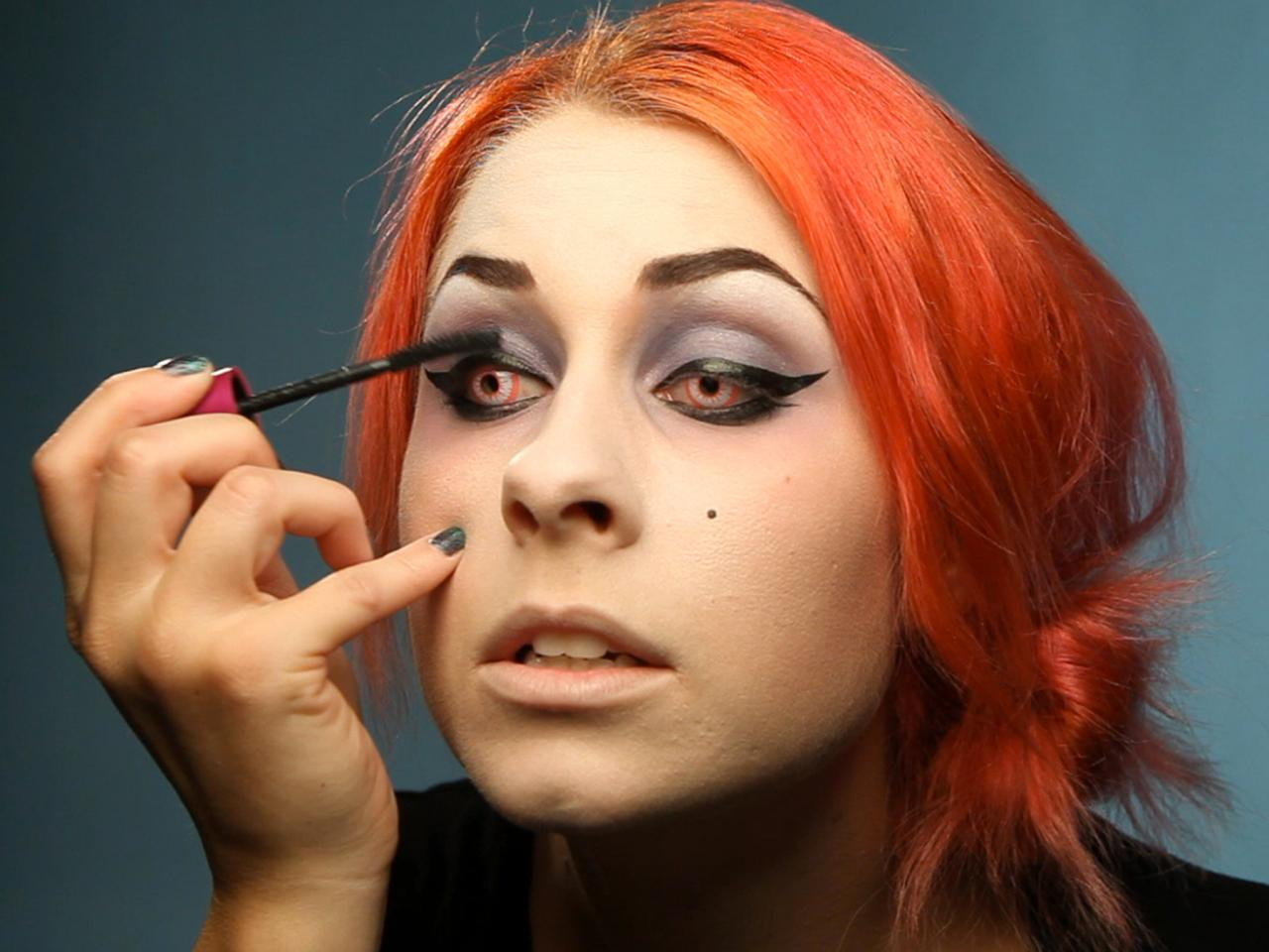 enhancing your glam dark fairy halloween look with black eyeliner