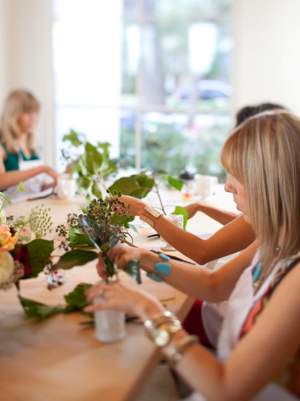 Original_Camille-Styles-Flower-School-Party-Step2_v