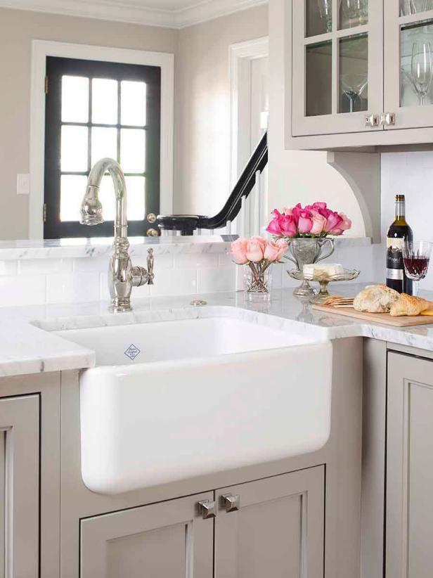 Light Gray Traditional Kitchen With Farmhouse Sink