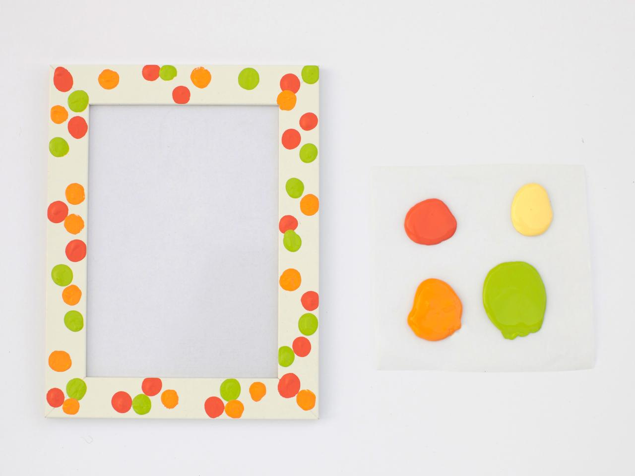 Mother\'s Day Kids\' Craft: Fingerprint Frames | HGTV
