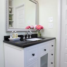 Black and White Contemporary Bathroom