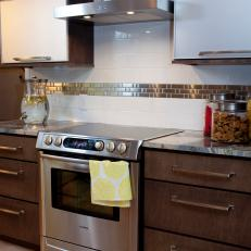 Range Hood and Horizontal Wall Cabinets