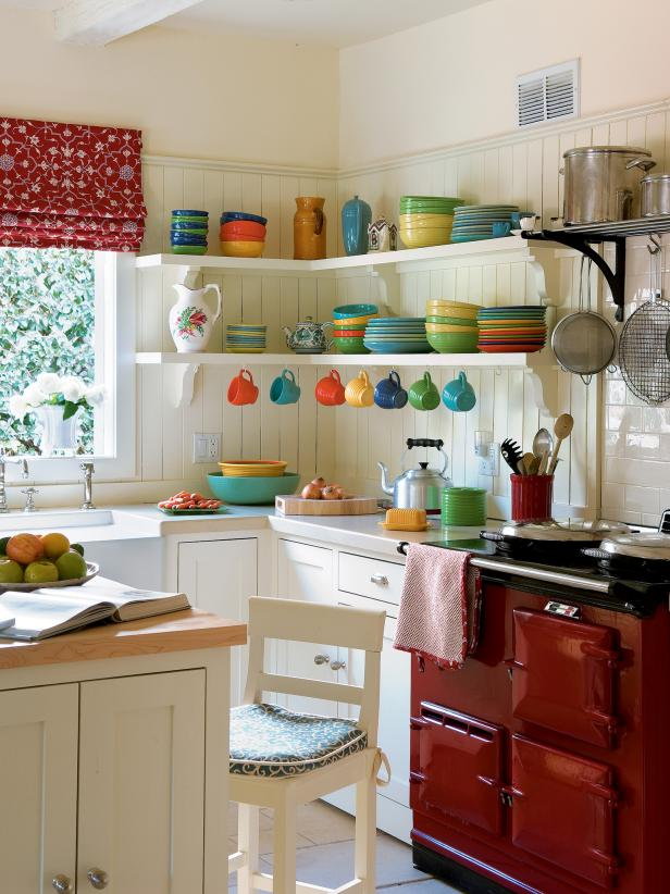 pictures of small kitchen design ideas from hgtv hgtv - Cabinets For Small Kitchens Designs