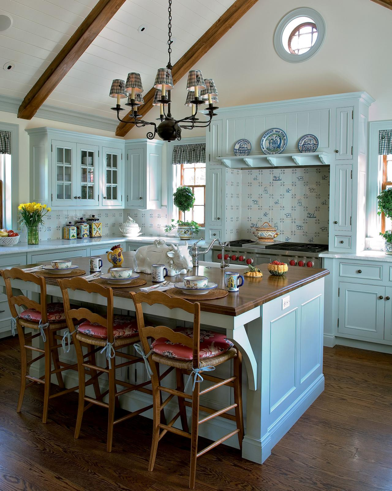 Colonial Kitchen Design: Pictures, Ideas & Tips From HGTV | HGTV