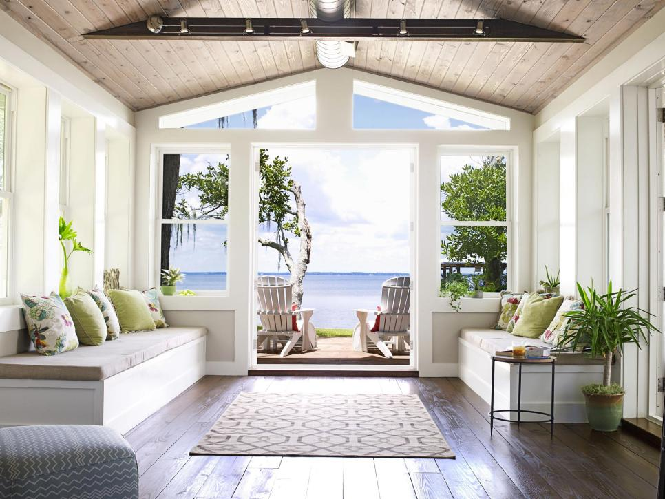 Decorating A Beach House? Follow David Bromstad\u0027s Design Rules | Flip HGTV Home Interior