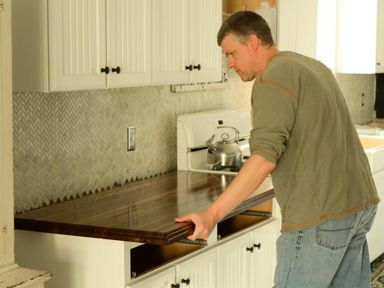 How To Install A Level Countertop Hgtv