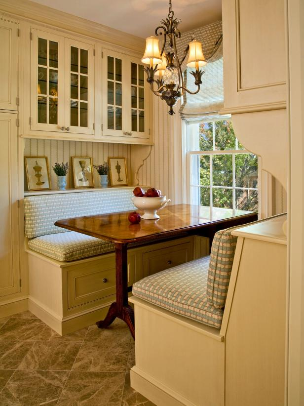 Built In Kitchen Banquette Cottage