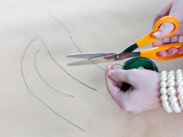 Cut floral wire into approximately 10-inch lengths with scissors, one for each bat.