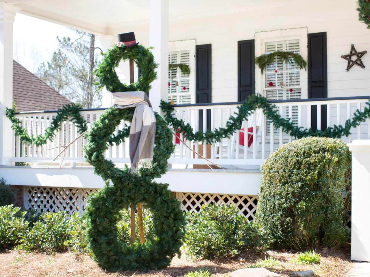 life size snowman - Front Porch Christmas Decorations Ideas