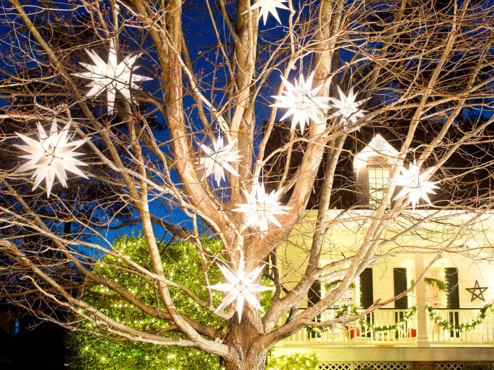 outdoor christmas lights hgtv - Homemade Outdoor Christmas Light Decorations