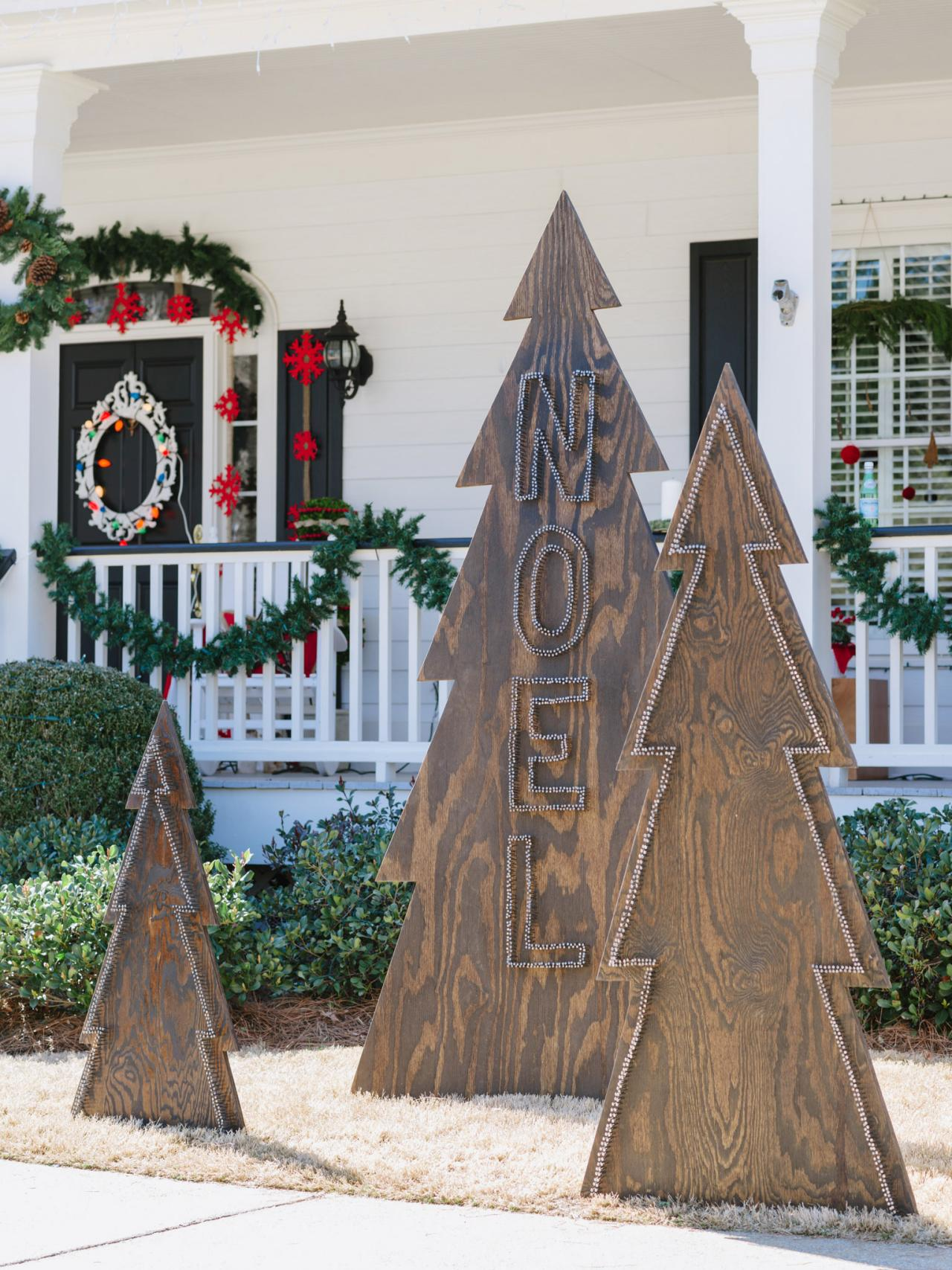 Wooden Outdoor Trees. Outdoor Silhouette Christmas ...